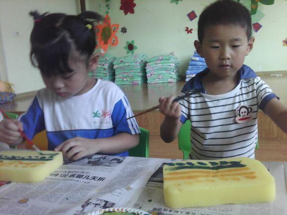 幼儿园大班音乐区玩教具制作